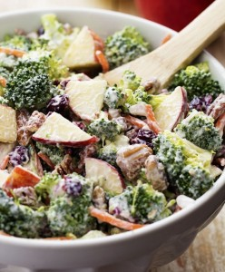 broccoli_apple_salad-650x975
